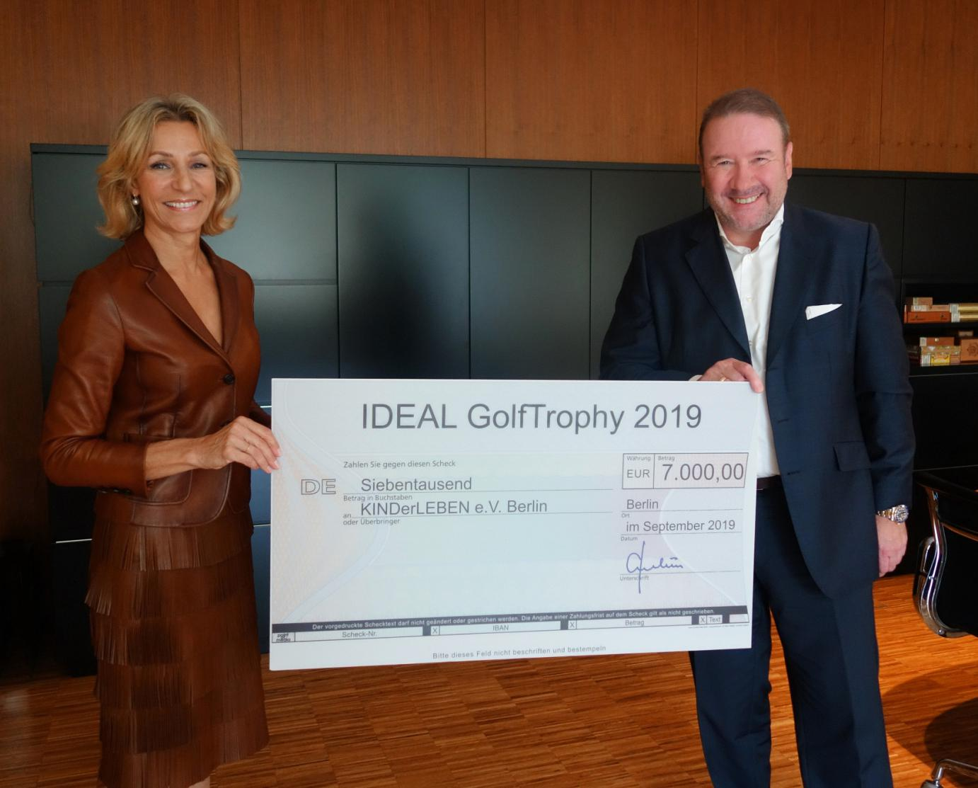 Scheckübergabe IDEAL GolfTrophy 40
