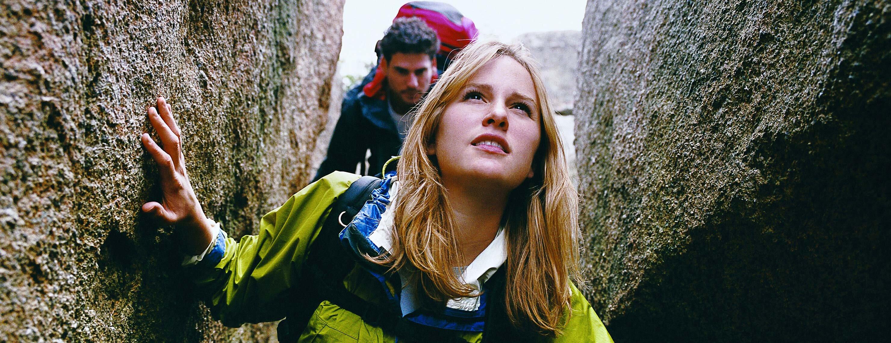 IDEAL Dread-Disease-Versicherung: Frau und Mann beim Wandern