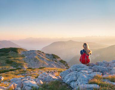 Sabatical - Frau mit Bergpanorama