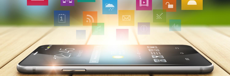 Smartphone mit verschiedenen Apps