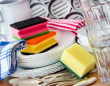 Gesundheit - Geschirr, Schwämme als Keimschleudern im Haushalt