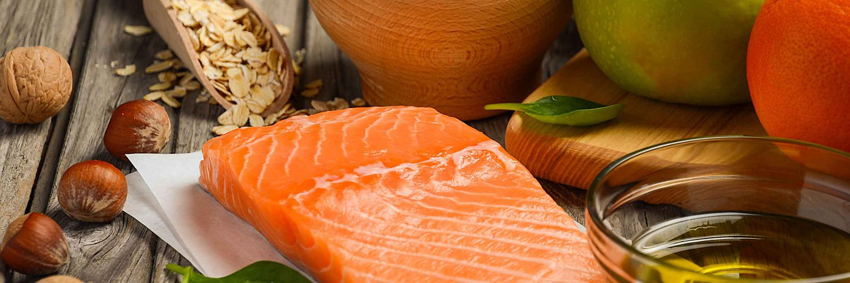 Lebensmittel gegen Krebs - Fisch, Nüsse und Äpfel