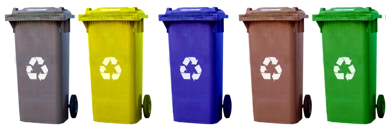 Fünf Mülltonnen in unterschiedlichen Farben