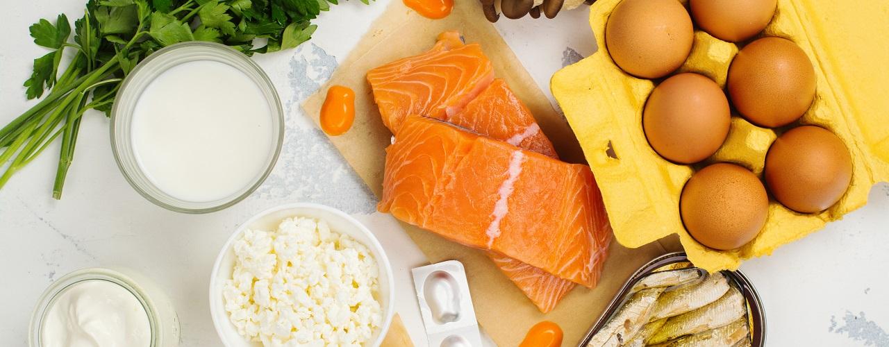 Gesunde Ernährung: Lachs, Eier, Milch
