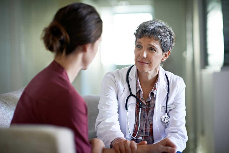 Arztgespräch mit Krebspatienten